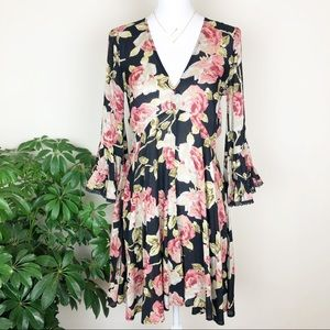 Uncle Frank floral bell-sleeve dress